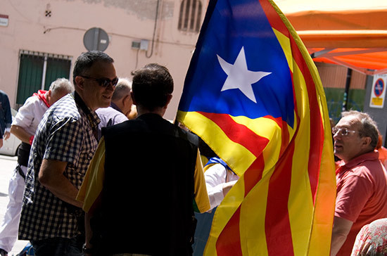 Глава МИД Испании заявил, что власти не намерены арестовывать главу Каталонии