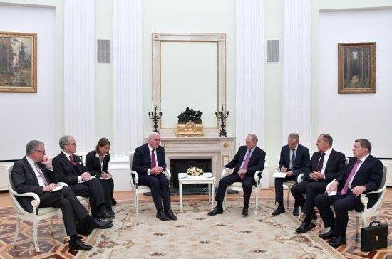 Путин обсудил с президентом ФРГ возможную миссию ООН на Украине