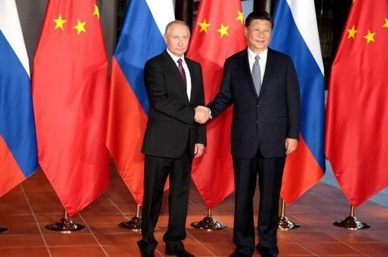 Путин поздравил Си Цзиньпина с переизбранием на пост генсека ЦК Компартии Китая