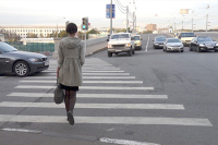 Штраф за непропуск пешеходов на переходе увеличат