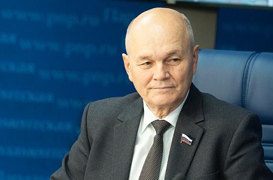 Сенатор Щетинин предложил восстановить кооперацию между аграрными НИИ и вузами