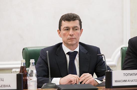 Топилин рассказал о заложенных в бюджете 3 млрд рублей на повышение зарплат бюджетникам