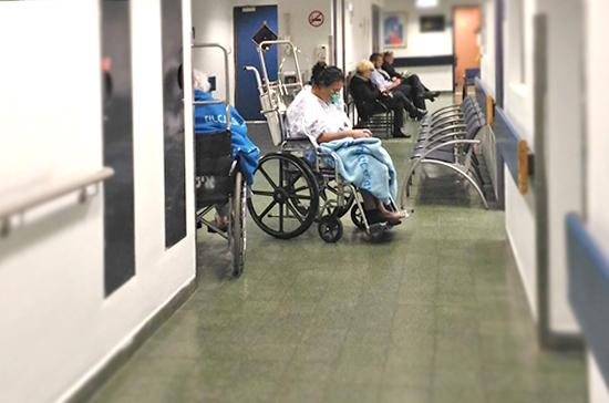 Мигрантов, больных  СПИДом, будут лечить в России