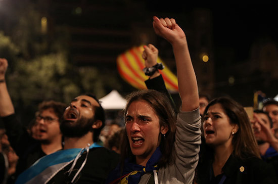 Бывшие члены Женералитата Каталонии прибыли в суд в Мадриде