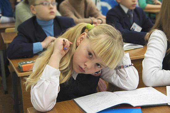 Сенаторы не поддержали идею переноса даты начала учебного года