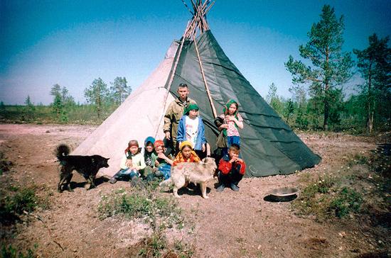 Порядок усыновления детей коренных малочисленных народов России упрощён