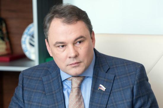 Толстой: Государственная дума может принять закон оСМИ-иноагентах