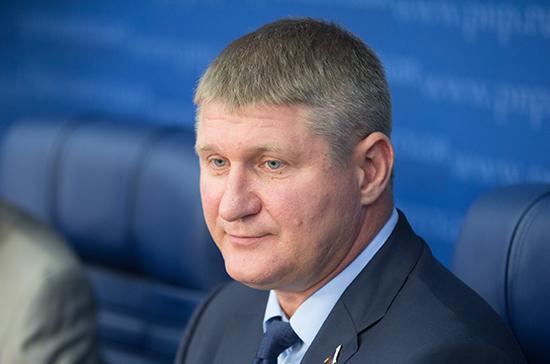 Депутат посоветовал Киеву проинспектировать Луну вместо Крыма