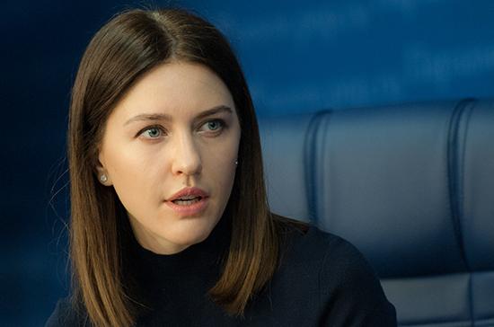 Законопроект о возвращении медсестёр в школы может быть внесён в Госдуму осенью, считает Аршинова