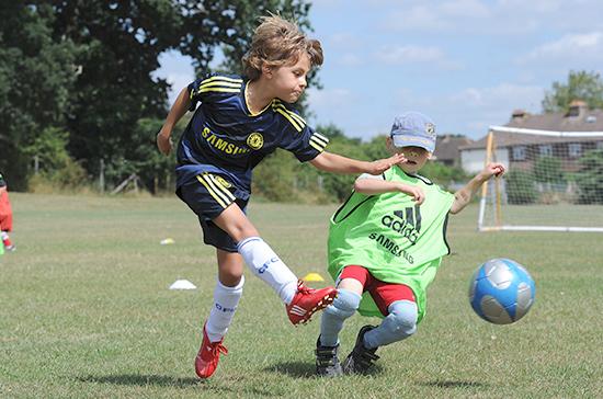 Спортклубам могут запретить брать деньги за переходы юных игроков