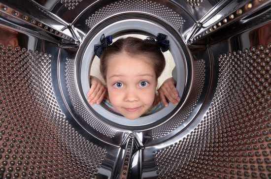 В Магаданской области ребёнок задохнулся в стиральной машине