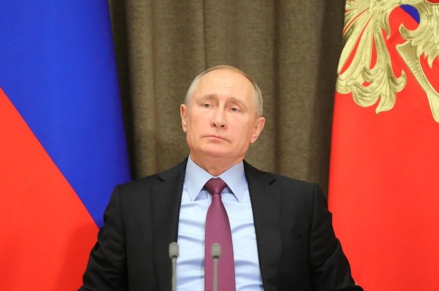 Путин поручил готовиться к наращиванию объемов оборонной продукции