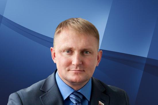 Шерин: ЛДПР призывает вернуть из-за границы российских соотечественников