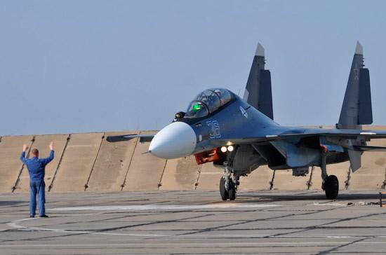 Российский Су-30 перехватил самолет США над Черным морем