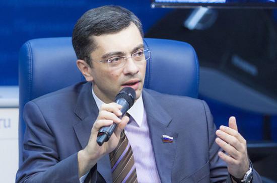 Гутенёв: Минпромторг поддержал законопроекты о внедрении общедоступной дефибрилляции