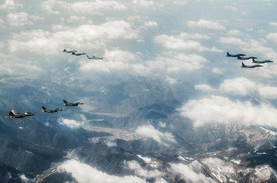 США и Южная Корея приступили к крупнейшим в истории совместным учениям ВВС