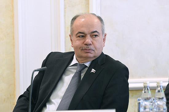 Умаханов встретился с представителями деловых кругов Турции