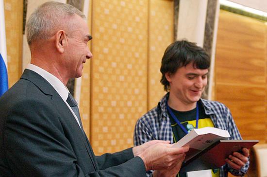 В Минске наградили лауреатов конкурса молодых литераторов Союзного государства «Мост дружбы»