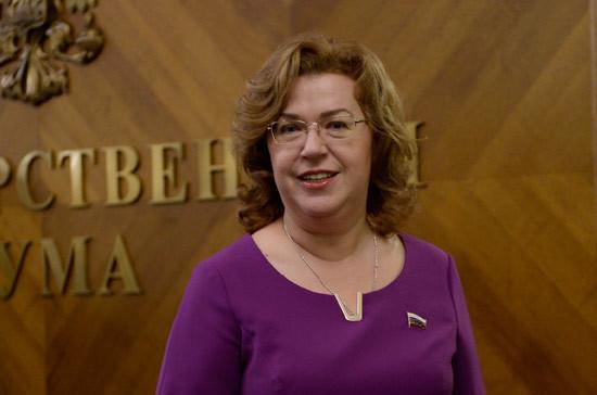 Епифанова оценила своевременность президентских законопроектов о поддержке семей с детьми