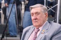 Валентина Матвиенко поздравила сенатора Владимира Долгих с 93-летием