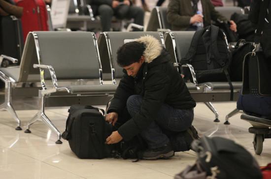 Полиция не будет досматривать пассажиров в аэропорту