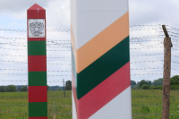 Литва завершила строительство забора на границе с Россией