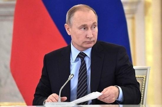 Путин прервал заседание Совета по культуре и искусству из-за срочного телефонного звонка