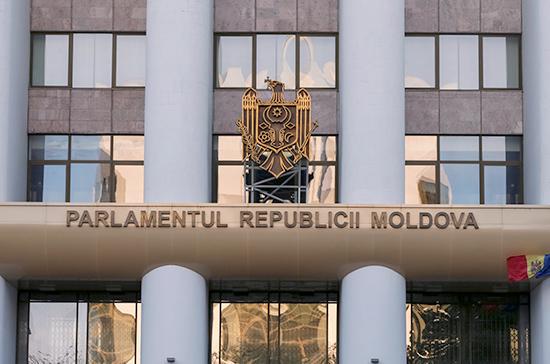 Парламент Молдавии принял отклонённый президентом закон о запрете новостных программ из России
