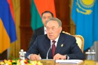 Назарбаев назвал перераспределение полномочий власти в Казахстане достижением года