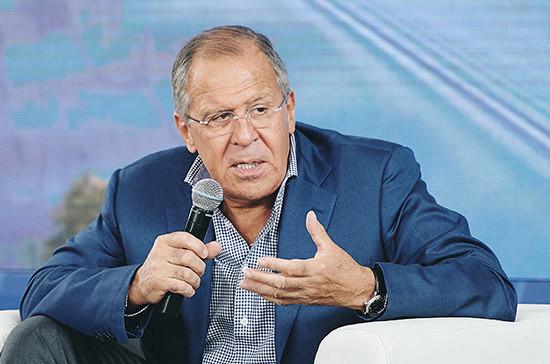 Лавров: РФ непланирует переводить военных сбазы Хмеймим вЕгипет