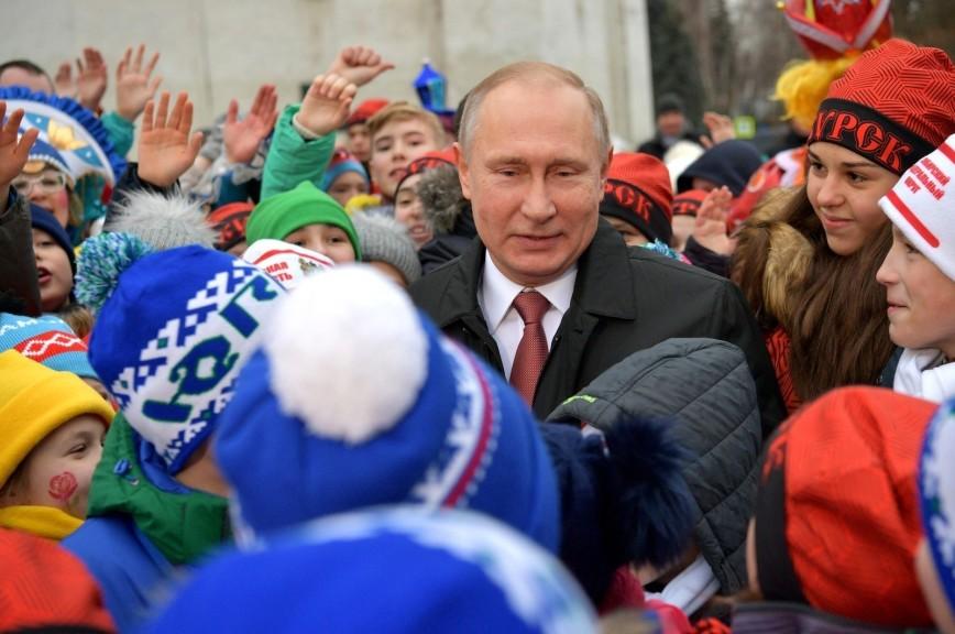 Путин рассказал детям на Соборной площади о своём отношении к оппозиции