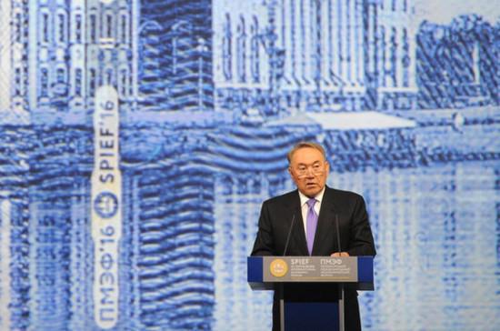 Назарбаев поддержал Путина на предстоящих президентских выборах