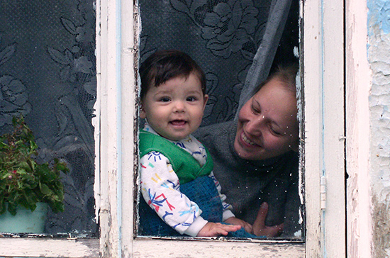 На выплаты семьям при рождении первого ребёнка выделили 21,4 млрд рублей