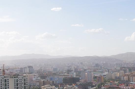 Президент Монголии предложил парламенту ввести в столице режим ЧС