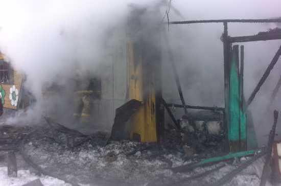 В Татарстане отец и двое детей погибли на пожаре, возникшем из-за неисправного обогревателя