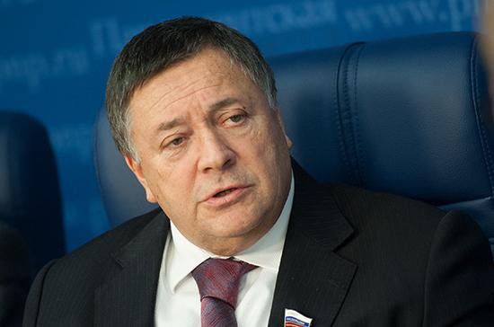 Калашников не исключил выхода России из ВТО из-за иска ЕС по «свиному эмбарго»