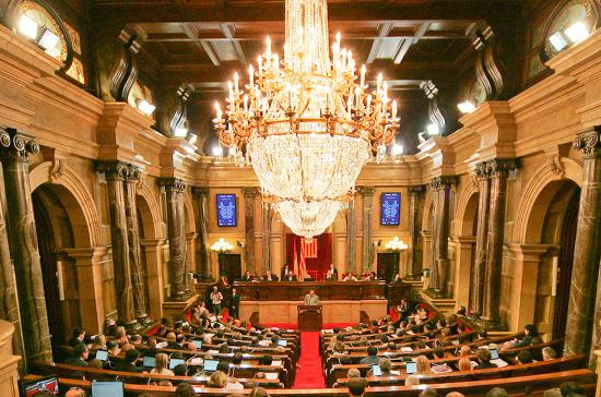 Каталонский парламент обжаловал вКС введение прямого правления Мадрида