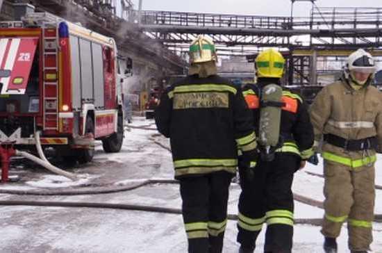 В Нижнем Новгороде полностью ликвидировали пожар в цехе лесохимического завода