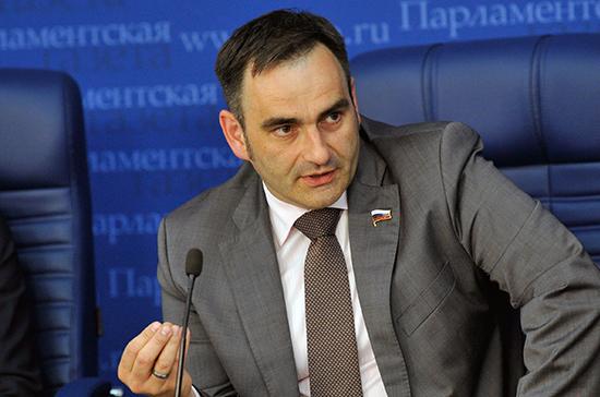 Маркировка табака поможет избавить рынок от контрафакта, считает Кобзев