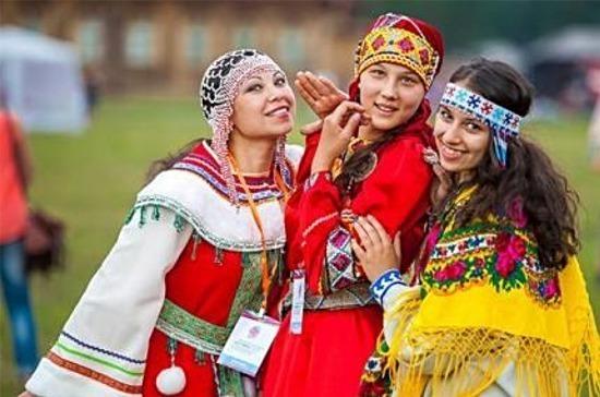 В российских школах будут изучать традиции народов страны