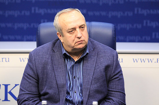 Украина готовится к боевым действиям в Донбассе, считает Клинцевич