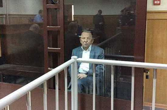 Петербургский суд приговорил экс-депутата заксобрания к трём годам строгого режима за взятки