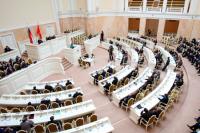 Петербургские депутаты не согласны увольняться в связи с утратой доверия