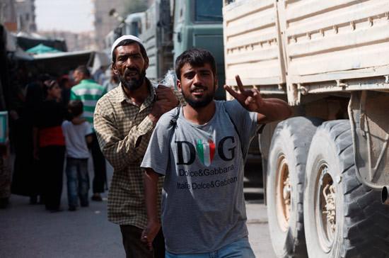 Русские военные готовятся расположить под Алеппо бегущих изАфрина людей