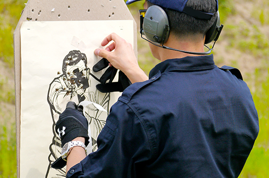 В Российской Федерации  могут обязать собственников  оружия ходить вбронежилете