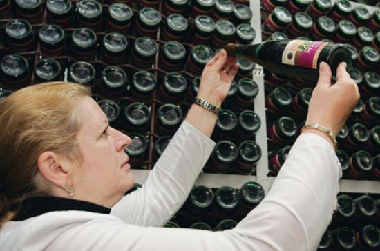 Производство спиртного переведут на отечественное оборудование