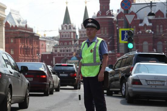 Инспекторы ГИБДД не смогут отстранять от вождения пьяных судей
