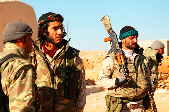 На востоке Сирии местные жители атаковали отряды курдов