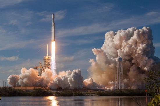 Американские истребители разбомбили ракету Илона Маска