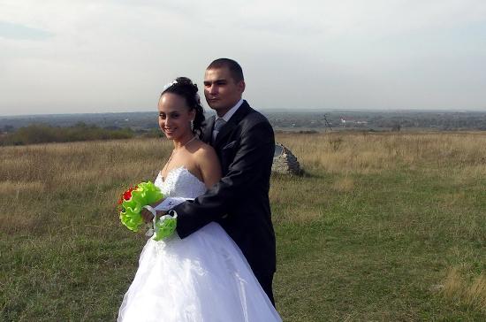 Жениться в поле или во дворце — решать молодожёнам